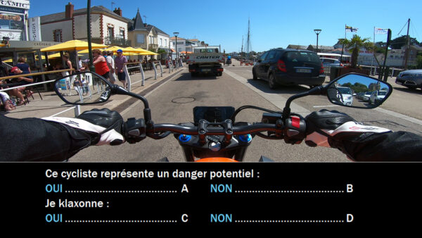 Question: poste de conduite moto