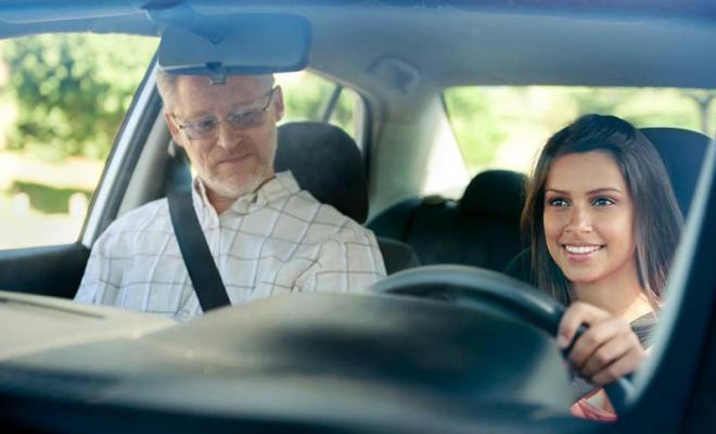 Aide permis de conduire apprentis : 500 euros accordés dès 18 ans