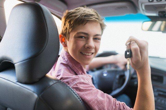 Comment convaincre votre ado de réviser son Code de la route